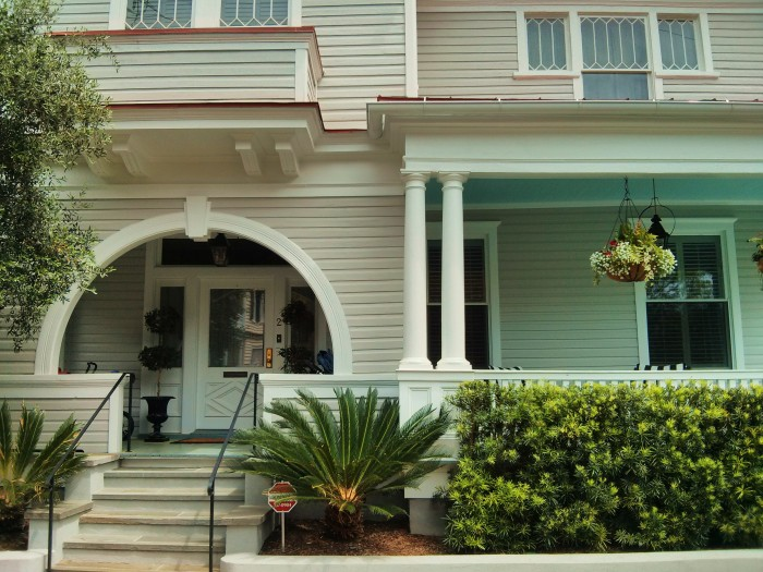 While know for its single houses and mansions, Charleston, SC is full of different types of home architecture.