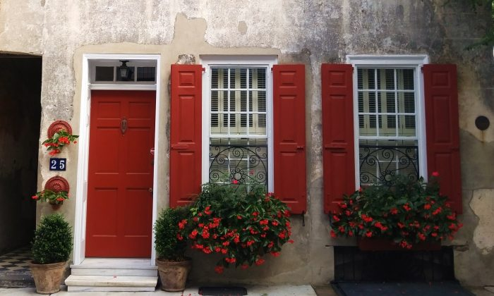 This wonderful Charleston house on Queen Street, with its beautiful door, shutters and window boxes, was recently featured on the poster for the Piccolo Spoleto Festival.