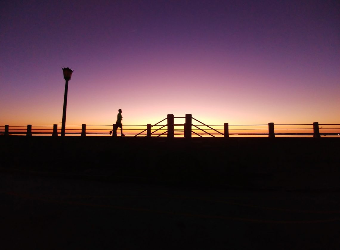 The High Battery is one of the wonderful spots in Charleston to watch the sun rise over the harbor. It's also one of the great spots to include in your early morning run. Ahhhh..
