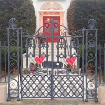 This beautiful gate along the High Battery, at 17 East Battery, is well dressed for Valentine's Day. A loving one to all of you from Glimpses of Charleston.