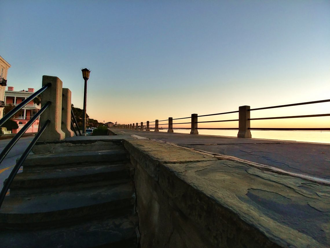 The High Battery is one of the most popular places to walk in Charleston. On one side is the spectacular harbor, with views out to Fort Sumter and the Atlantic Ocean beyond it, on the other are the magnificent house of East Battery. Have you strolled this promenade?