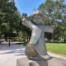 The wonderful statue of a dancing girl by Williard Hirsch can be found in White Point Garden. It always makes me smile.