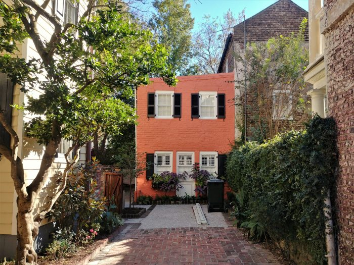 This picturesque little structure is tucked off Tradd Street, which is one of the few streets that runs completely from one side of the peninsula to the other.