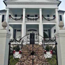 This house on Murray Boulevard (the Low Battery) is nicely dressed for the holidays. With an unobstructed view across the Ashley River to James Island, it's a pretty nice spot.