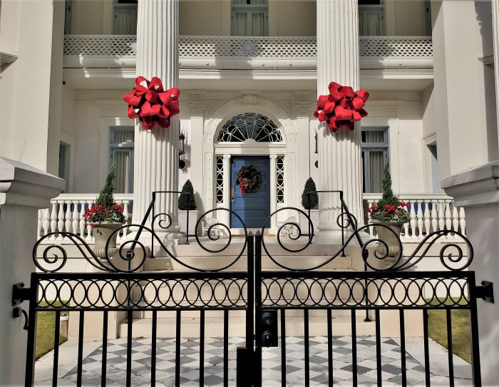 The Villa Margherita on South Battery always looks good, but it's really eye-catching in holiday garb. Part of this house's cool history is that it was designed by Frederick Dinkelberg, who helped design the Flatiron Building in New York.