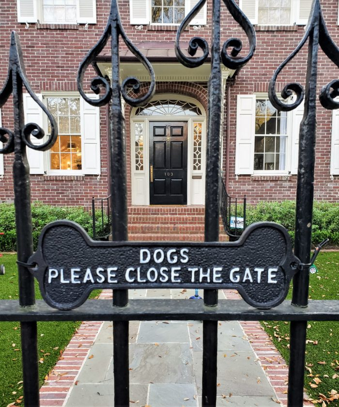 The dogs that live here are clearly well-mannered and can read!! Their house on South Battery was built on land reclaimed from the Ashley River and marshes, as part of the project that defined the Charleston peninsula as it exists today.