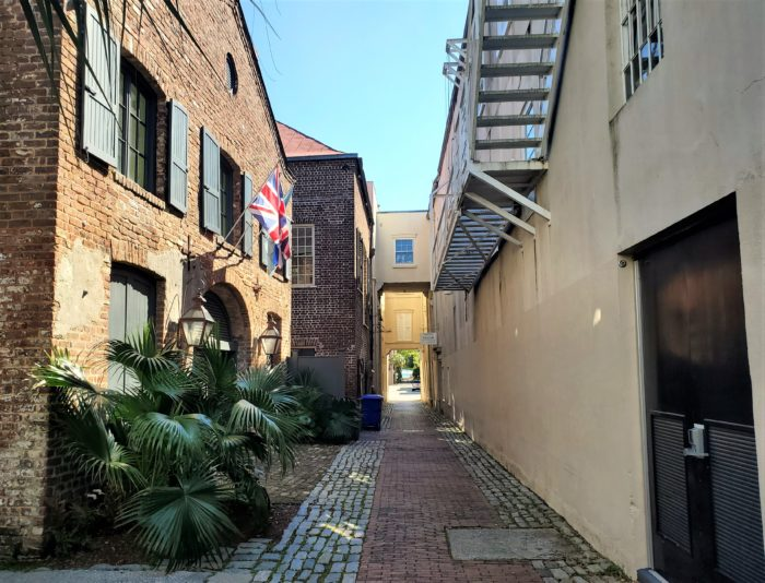 Unity Alley is one of the cool cut-throughs you can find in Charleston. McCrady's Tavern was built there in the late 1700's and in 1791 a banquet given in honor of the first president of the United States, George Washington, was held in its famous Long Room.
